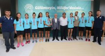 Nilüfer Belediyespor'un kupa avcılarından Bozbey'e ziyaret