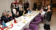 Huzurevi sakinlerine Bedia Akartürk sürprizi