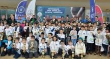 Satranç Bursa finalinde şampiyonlar kupalarını kaldırdı