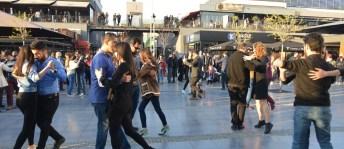 Dans Atölyesi'nden sokakta sürpriz gösteri