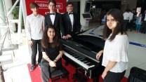 Fen Lisesi öğrencilerinden muhteşem piyano resitali