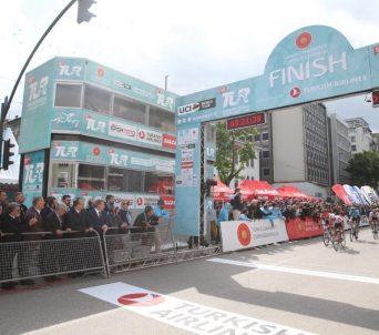 55'inci Cumhurbaşkanlığı Türkiye Bisiklet Turu'nun 4. etabını Ewan kazandı