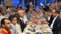 Bursa Valisi Canbolat, Oyak Renault işçileri ile iftar yaptı