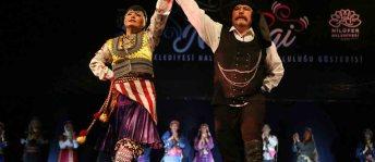Nilüfer Belediyesi Halk Dansları Topluluğu 'Nirengi' ile büyüledi