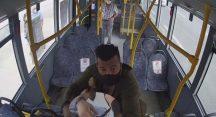 Maskesiz yolcu ile şoför kavgasında kan aktı