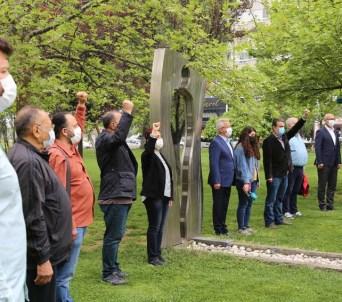 Üç Fidan Anıtı önünde anma