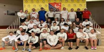 Türk milli takımı Düsseldorf'a geliyor