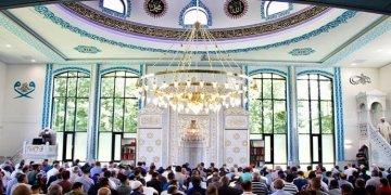 Hollanda'daki Tevhit Camisi törenle açıldı