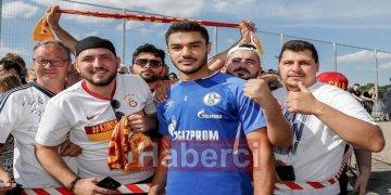 Galatasaraylılar Ozan'ı ilk antrenmanda yalnız bırakmadı