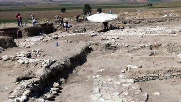 Prof. Dr. Dönmez: Anadolu'da tek tanrı inancı ilk defa Oluz Höyük'te yaşandı