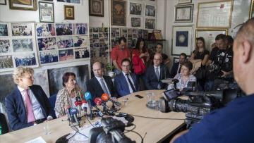 Srebrenitsalı anneler Hollandalı askerleri AİHM'e şikayet edecek