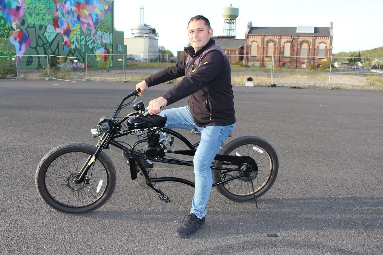 Oto elektrik ustası bisiklete motor taktı