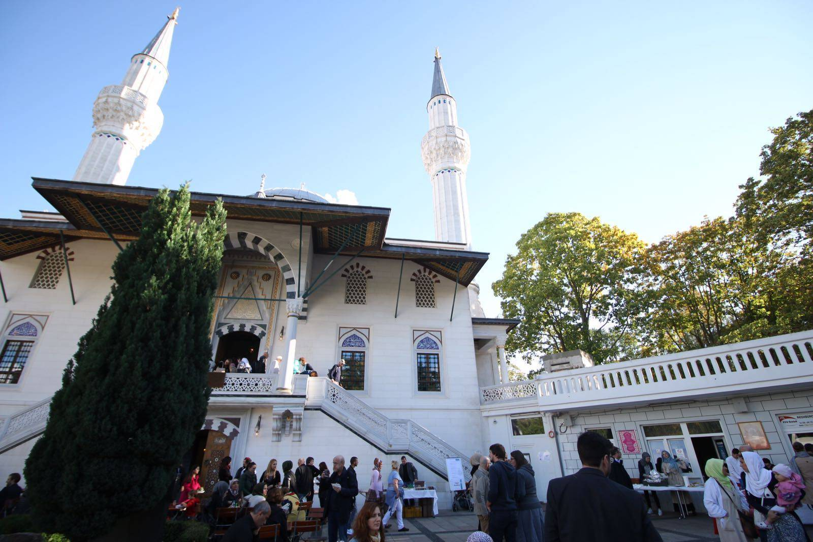 Şehitlik Cami bomba ihbarına karşı boşaltıldı