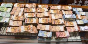Günde 1 milyondan 213 milyon euro göndermişler