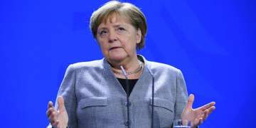 """Merkel:""""Aşı bulununcaya kadar virüs ile yaşayacağız"""""""