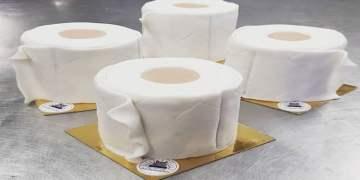 Koronavirüs paniği tuvalet kağıdı pastası yaptırdı