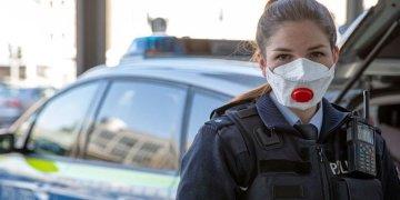 Polisler maske takmaya başladı