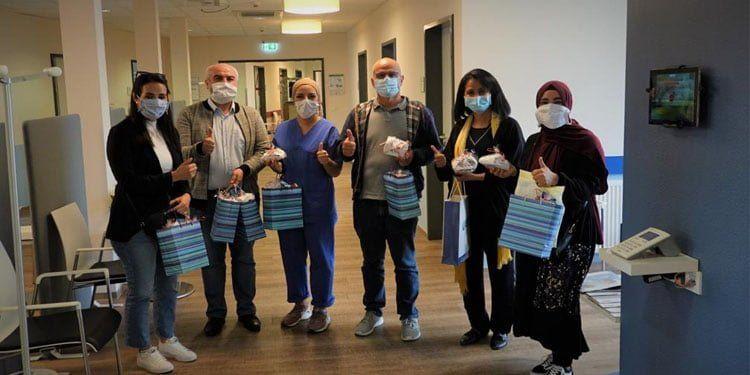 Diyaliz merkezine maske bağışı