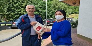 YTB desteği ile Avrupalı Köprübaşılılara hijyet paketi dağıtıldı