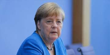 """Merkel:""""Türkiye ile ilişkileri dengelemeliyiz"""""""