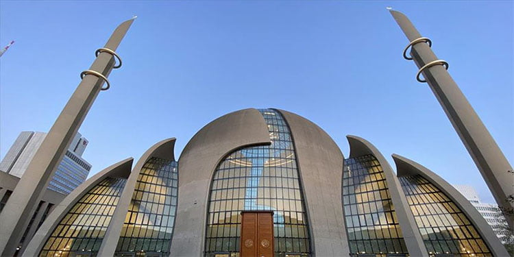 Camiler 3 Ekim'de kapılarını açacak