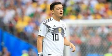 """""""Mesut Özil, Alman formasıyla büyük bir tarih yazan oyuncudur"""""""