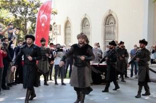 Osman Gazi'nin türbesinde saygı nöbeti başladı