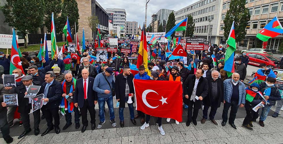 Azerbaycan'a Nürnberg'de destek gösterisi