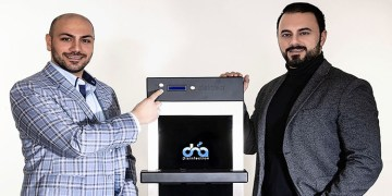 Almanya'da Türk gençleri, dokunmatik ekranlarda koronavirüsü yok eden cihaz geliştirdi