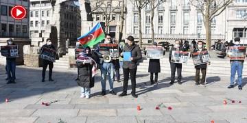 Hocalı katliamı 29. yılında Köln Katedrali önünde protesto edildi (VİDEO)