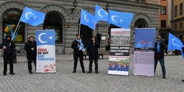 """Uygur Türkleri, İsveç'ten Çin'in uygulamalarını """"soykırım"""" olarak tanımasını istendi"""