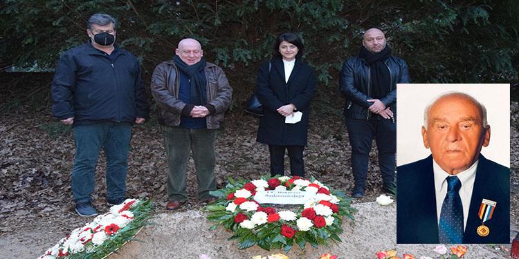 Hannover Başkonsolosu Özge Kaya'dan vefat eden Kore Gazisi Minas Kaya'nın ailesine taziye ziyareti