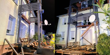 Balkon çöktü: 9 yaralı