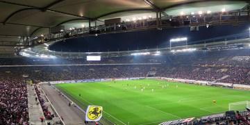 Almanya'da yeni sezonda statlara en fazla 25 bin seyirci alınmasına yeşil ışık