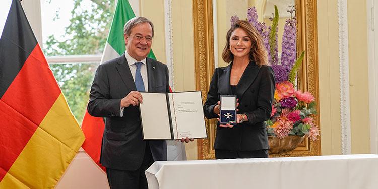 Nazan Eckes'e NRW Liyakat Nişanı verildi