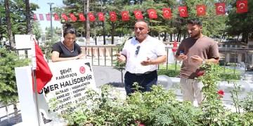 Ömer Halisdemir'in kabrine gurbetçi ziyaretçi ilgisi