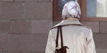 Almanya'da oy kullandırtılmayan başörtülü kadına özür