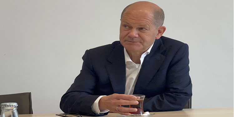 """Almanya'da SPD'nin başbakan adayı Scholz: """"Aşırı sağa karşı harekete geçmemiz gerekiyor"""""""