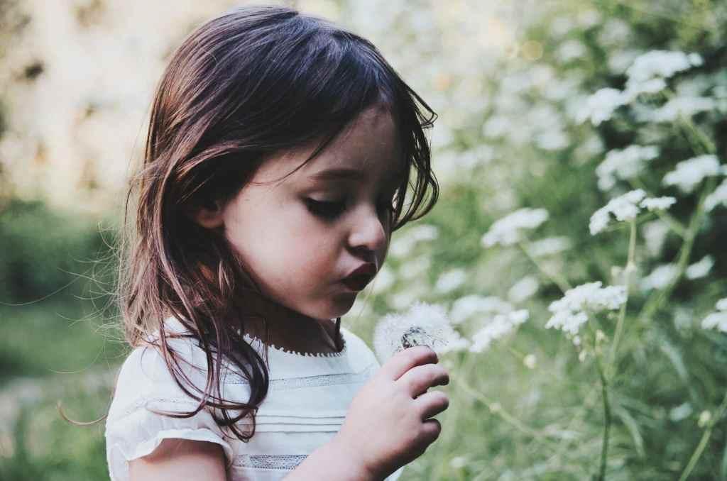 girl-smelling flower-vintage-nicknames