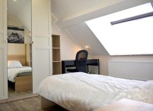 Une dernière chambre entièrement meublée et équipée se libère