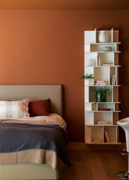 The colours chosen for the middle floor bedrooms and bathrooms are bold and rich and speak to an African palette.