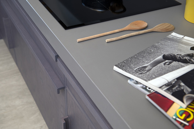 Neolith Humo worktop in 12mm and splashback in 6mm_Residential House Rome, Italy (3)