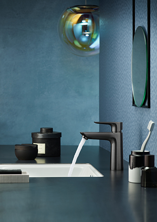 hansgrohe FinishPlus showcases faucets to perfection_Blue