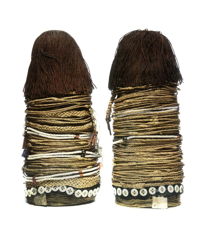 Mark Eglington Pair of dolls made and used by young women Ntwane, South Africa Material: Wood, fibre, buttons, leather and beads Auction Sotheby's - May 89 - Important Tribal Art, New York, Lot 249 Merton Simpson gallery Inv.#5578c #5578d Irwin and Marcia Hersey, New York