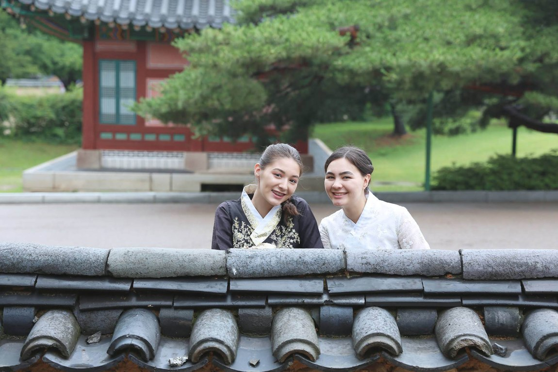 Must Thing to Do in Seoul - Hanbok Photoshoot in Gyeongbokgung Palace