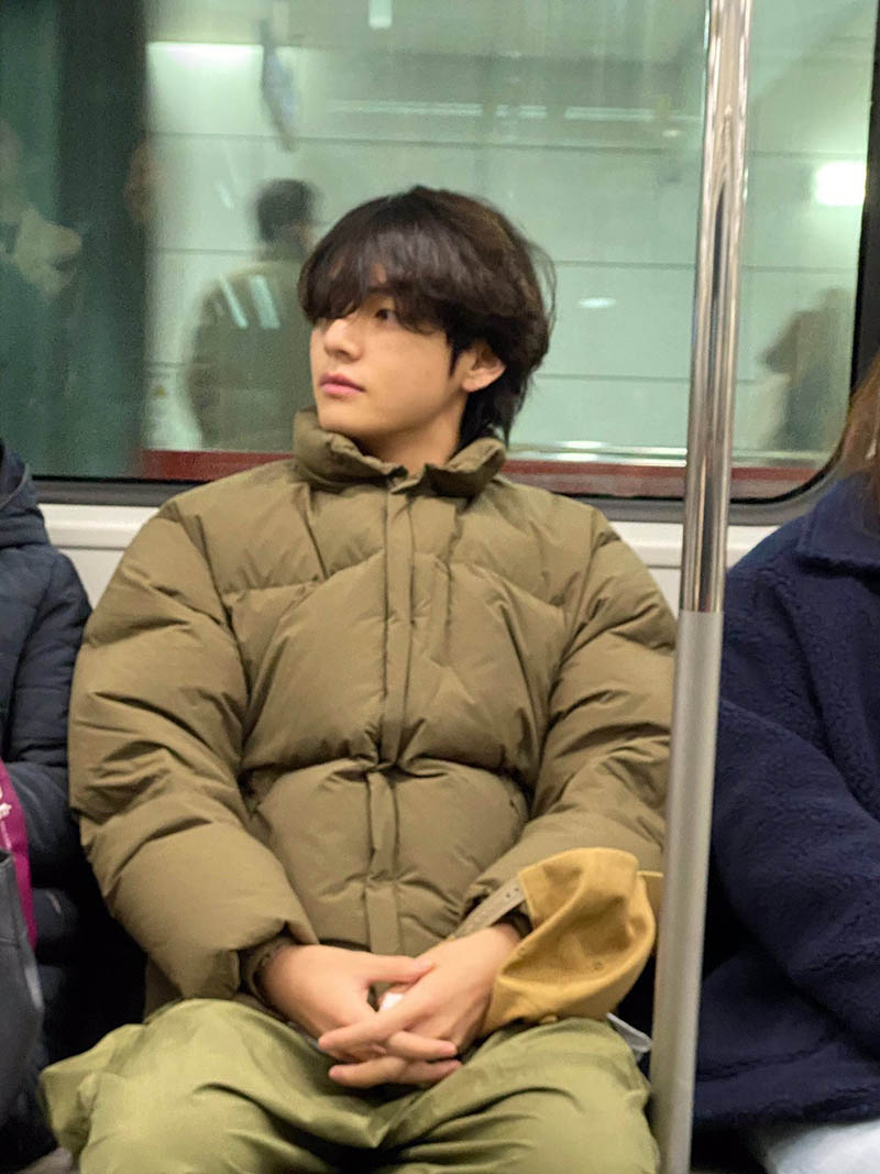"V of BTS posted photos on Weverse about his ""Subway ride"""