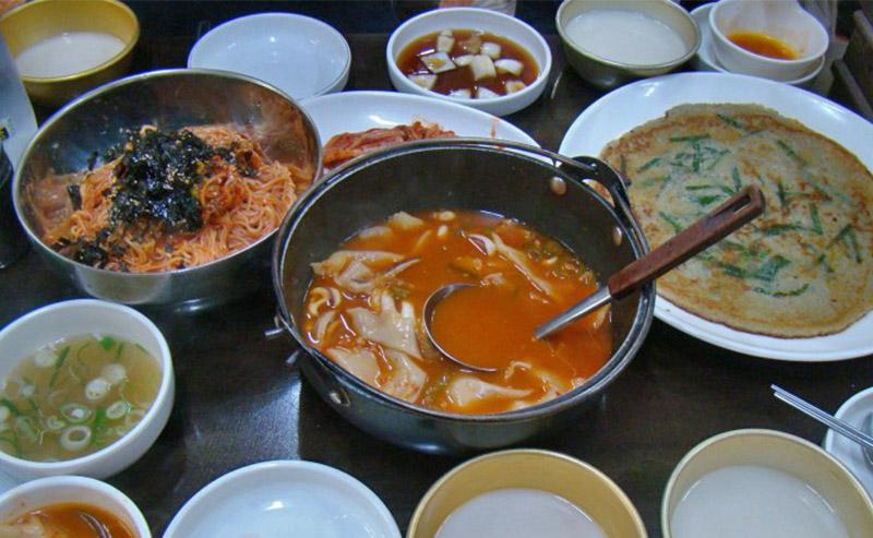 gyeongbokgung palace gourmet