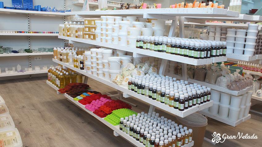 Vista general de la tienda al publico Gran Velada.
