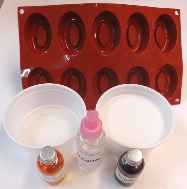 Paso 1 Hacer jabones con moldes de Silicona