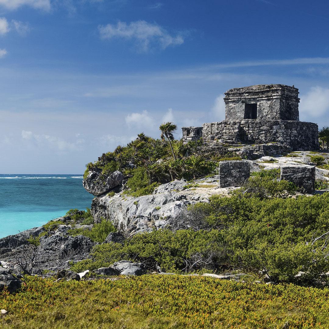 maya ruin of el castillo in tulum